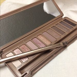 Urban Decay Naked 3 eyeshadow pallet